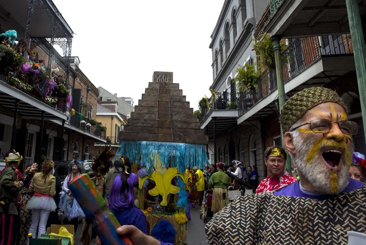 Mondo Kayo's Mardi Gras parade